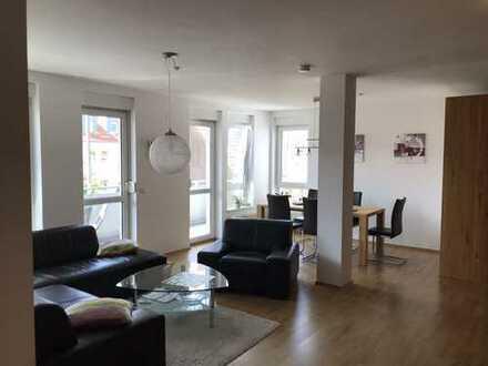Neuwertige 3,5-Zimmer-Wohnung mit Balkon und Einbauküche in Laichingen