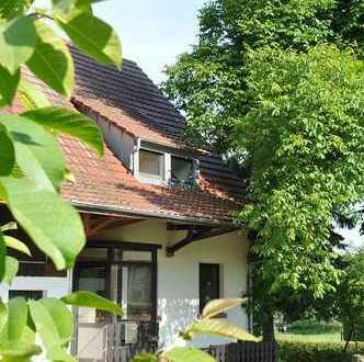 Typischer Eindachhof der Landsiedlung aus der Aussiedlungszeit der 60er Jahre - V10012