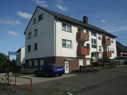 Großzügige 3 Zimmer Erdgeschosswohnung mit Sonnenterrasse und sep. Gartenanteil in Flechtorf!