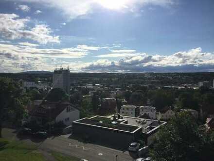 TOP-renovierte 3,5-Zi.-Wohnung in ruhiger, stadtnaher Aussichtslage