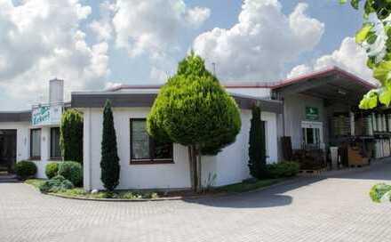 Attraktive Lagerhallen mit Büro und Wohnhaus