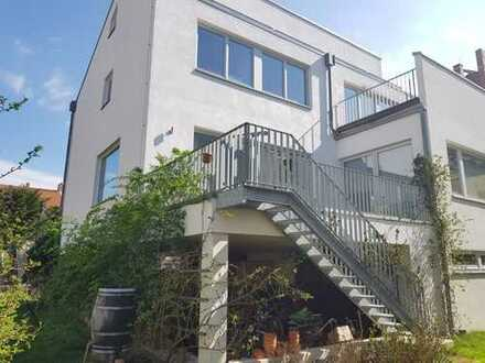 Luxuriöses Architektenhaus mit hochwertiger Ausstattung in bester Lage!