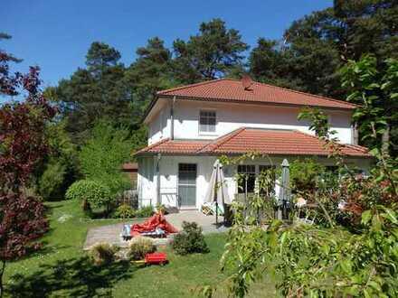 Schönes, geräumiges Haus mit vier Zimmern in Hamburg im Grünen, Hausbruch