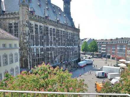 Sonnige Wohnung mit Balkon direkt am Markt
