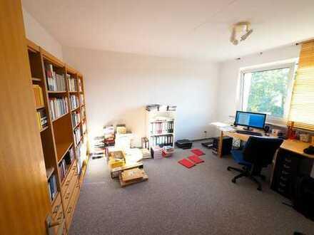 3-Zimmer-Wohnung, ruhig gelegen, Balkon, Blick ins Grüne, Waldhäuser Ost