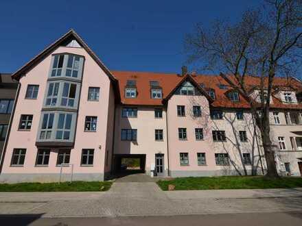 Die Saale direkt vor der Tür - Sonnige 3-Zimmer-Wohnung in Kröllwitz