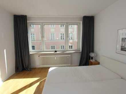 Maxvorstadt sehr schöne helle 2 Zi. Whg. komplett saniert, Parkett, Balkon auch für WG ALLES NEU