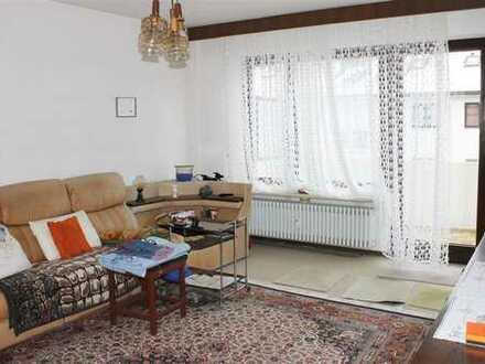 Augsburg: Schöne 69qm-Wohnung (2 ZKB), West-Balkon, Gartenmitbenutzung, Einzelgarage