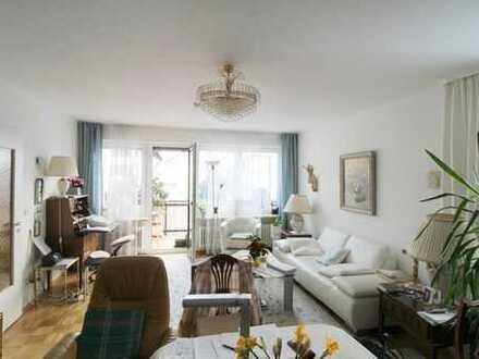 Helle 3-Zi.-Wohnung mit Südbalkon in zentraler, ruhiger Lage! Top-Zustand und zeitnah bezugsfrei!