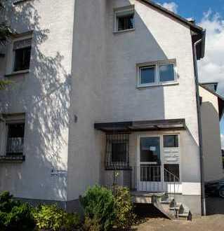 Zentral gelegene 4-Zimmer-Wohnung mit Terrasse in Bergisch Gladbach