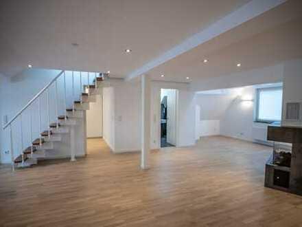 Neuwertige DG-Wohnung mit Dachterrasse und EBK in Essen-Rüttenscheid (provisionsfrei)