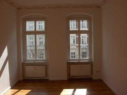 Bild_Wohnen am Helmholtzplatz: sanierter Altbau, 3 Zimmer, W-Bad, G-WC, Dielen, EBK, Balkon, Stuck,