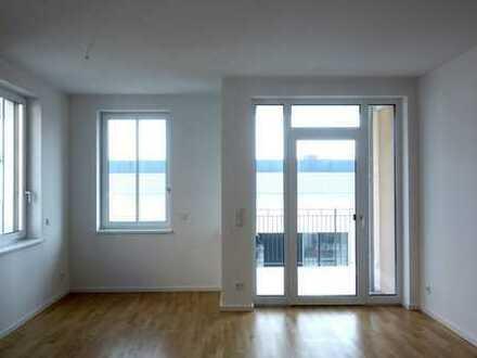 Bild_Helle und ruhige drei Zimmer Neubauwohnung mit Einbauküche 2 Balkonen und 2 Badezimmern in Neukölln