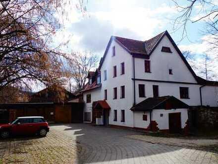 Liebhaberobjekt mit sieben Zimmern in Esslingen (Kreis), Neuffen (Altbau)