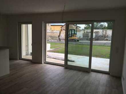 2 Zimmer, Bad, Flur, Abstellraum, Terasse, Garten, Erstbezug, Werder (Havel)