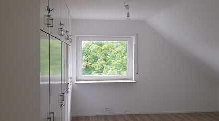 Exklusive, vollständig renovierte 3-Zimmer-DG-Wohnung in Eppelheim