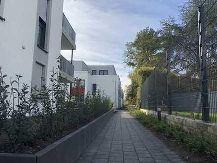 Helle Neubau-Wohnung in direkter rheinnähe