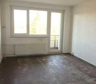 Helle 3-Raum-Wohnung in ruhiger Lage in Pasewalk - Selbst renovieren und Geld sparen!