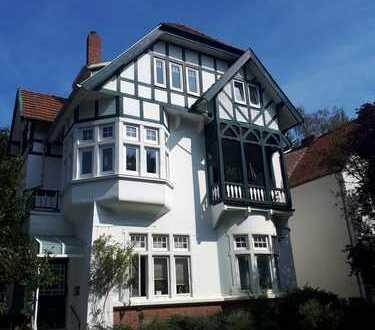 Freistehendes Altbremer Fachwerkhaus mit 3 Wohneinheiten und großem Grundstück in Bremen /Horn