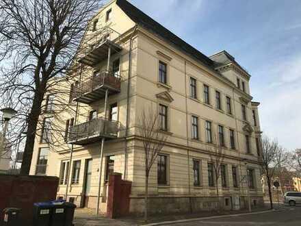 Herrliche 5-Raum-Wohnung im Erdgeschoss, Stellplatz, Denkmalschutz, Nähe Zentrum und Schwanenteich