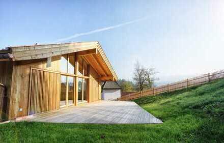 Hochwertige moderne Doppelhaushälfte mit vier Zimmern - Neubau