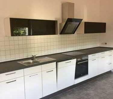 Modernisierte 2-Zimmer-Wohnung mit Balkon und Einbauküche in St. Egidien