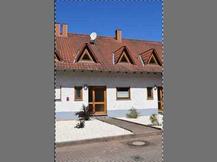 Schönes und gepflegtes 5-Zimmer-Reihenhaus zur Miete in Oberstaufenbach, Oberstaufenbach