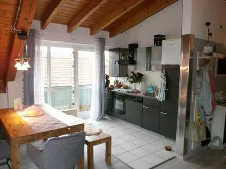 Schöne 2-Zimmer- Dachgeschosswohnung mit 2 Balkone…