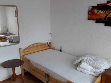 Komfortzimmer in Stuttgart Mönchfeld mit Reinigungs- und Textilservice