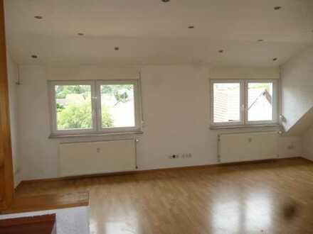 Bald frei, jetzt melden !! Wohnung mit Einbauküchenzeile und Stellplatz in Guldental