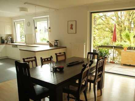 Modernisierte 5-Zimmer-Wohnung mit Balkon und EBK in Mainz