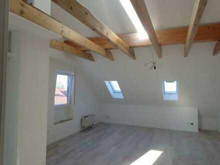 Gemütliche Dachgeschosswohnung zu vermieten!