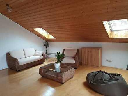 Single Wohnung - Schöne ruhige 2 Zi. DG Wohnung - München Trudering teilmöbliert
