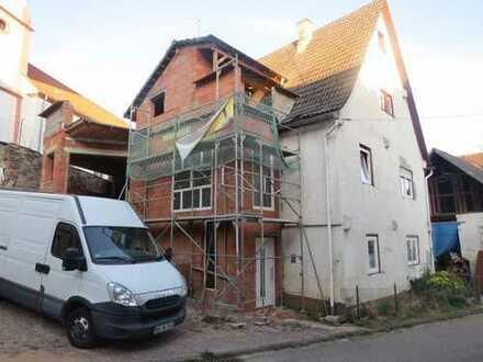 Wir bieten an - Wohnhaus zum eigenen Ausbau