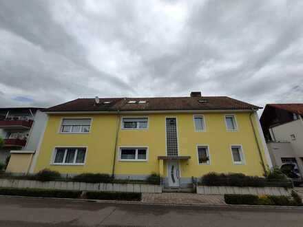 Attraktive 1,5-Zimmer-DG-Wohnung mit Einbauküche in Lauchringen