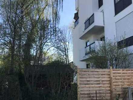 Gepflegte Gartenwohnung mit drei Zimmern sowie Terrasse in Ingolstadts Toplage Friedrichshofen