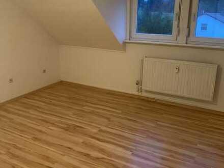 Teilmöbelierte 3 ZKB- Wohnung in Rimschweiler zu Vermieten