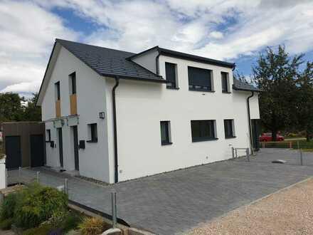 Neue sonnenverwöhnte Doppelhaushälfte in Ortsrandlage in Kusterdingen-Wankheim