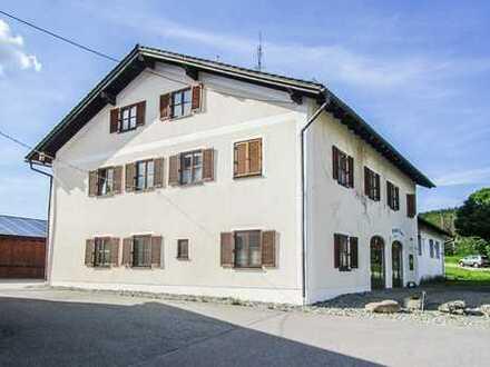 Wohn- und Betriebsgebäude in Konzell