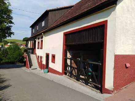 Niederstaufenbach - Liebevoll renoviertes Bauernhaus mit Nebengebäuden