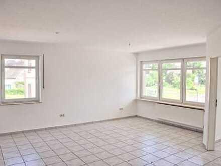 Zentrale Lage! Schöne 2-Zimmerwohnung mit Balkon im 1. Obergeschoss in Borken