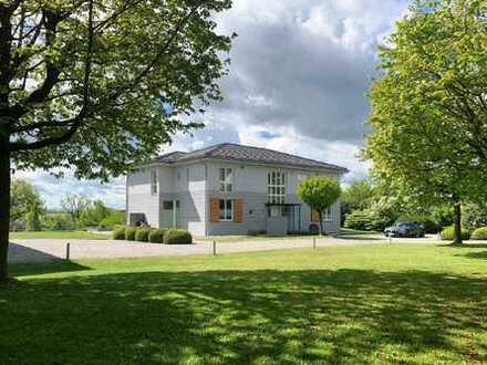 Einzigartiges Anwesen in TOP-Lage in der Nähe von Dachau / mit weiteren Baumöglichkeiten