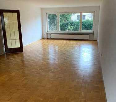 Erstbezug nach Sanierung: attraktive 3-Zimmer-Wohnung mit Einbauküche und Balkon in Ladenburg