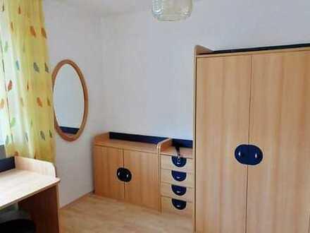 Zimmer mit Internet, Bad/Wc- und Küchenmitbenützung, TV-Raum, Waschmaschine, Nähe Uni Hohenheim