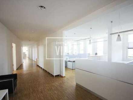 Exklusive, moderne Büroeinheit mit Fahrstuhl, Klima, Teeküche und 12 Außenstellplätzen