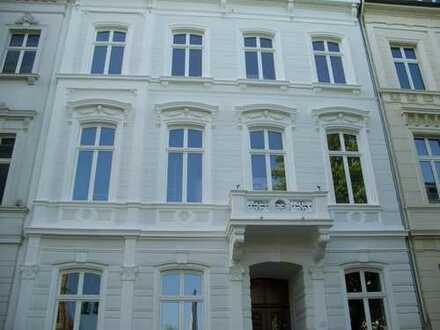 1.600 €, 107,8 m², 3 Zimmer