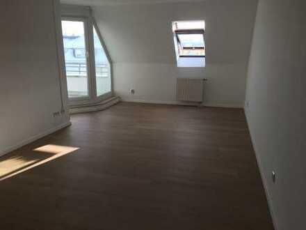 Gemütl. u. preiswerte 4-R-Maisonette-Whg mit Balkon ab 01.07.20 in unmittelbarer Stadtzentrumsnähe