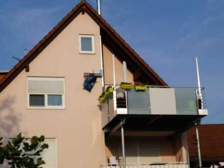 Stilvolle, modernisierte 3,5-Zimmer-Maisonette-Wohnung mit Balkon und Einbauküche in Heimsheim