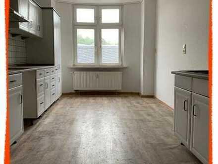 NEU +++ preiswerte 4-Zi. Wohnung in Nähe des Marktplatzes in Hartenstein zu vermieten!