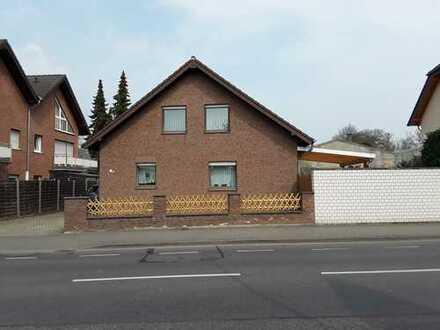 Freistehendes Einfamilienhaus ! Zentrale Lage von Bergheim-Zieverich!